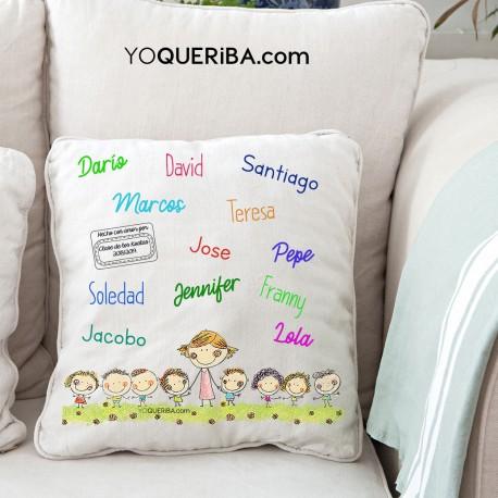 Cojín personalizado con el nombre de los niños