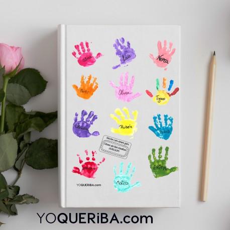 Cuaderno personalizado con las huellas de los niños